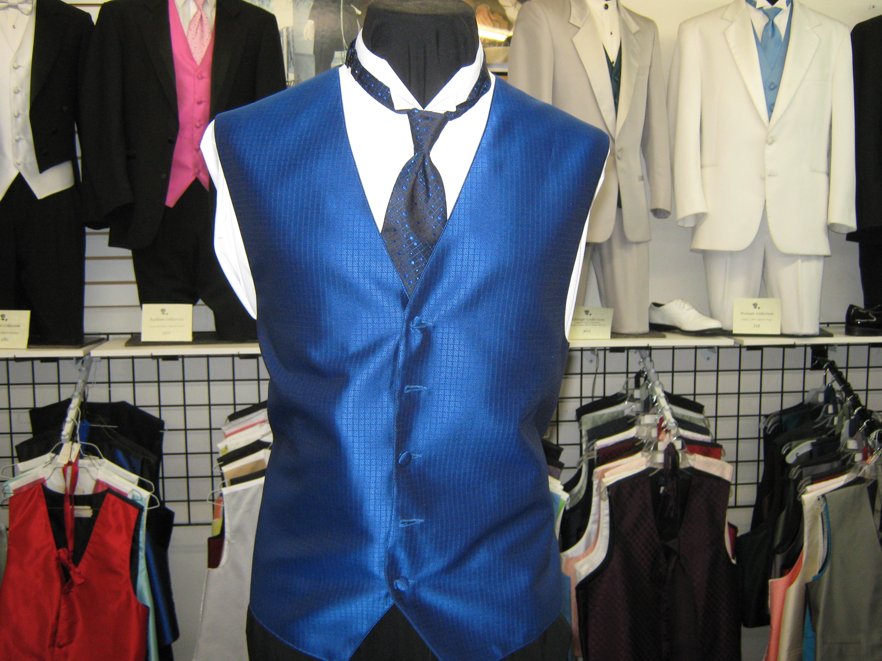 The gallery for --> Quinceanera Chambelanes Tuxedos Quinceanera Chambelanes Tuxedos With Blue