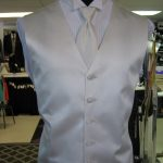 White vest and tie for the Groom at Rose Tuxedo