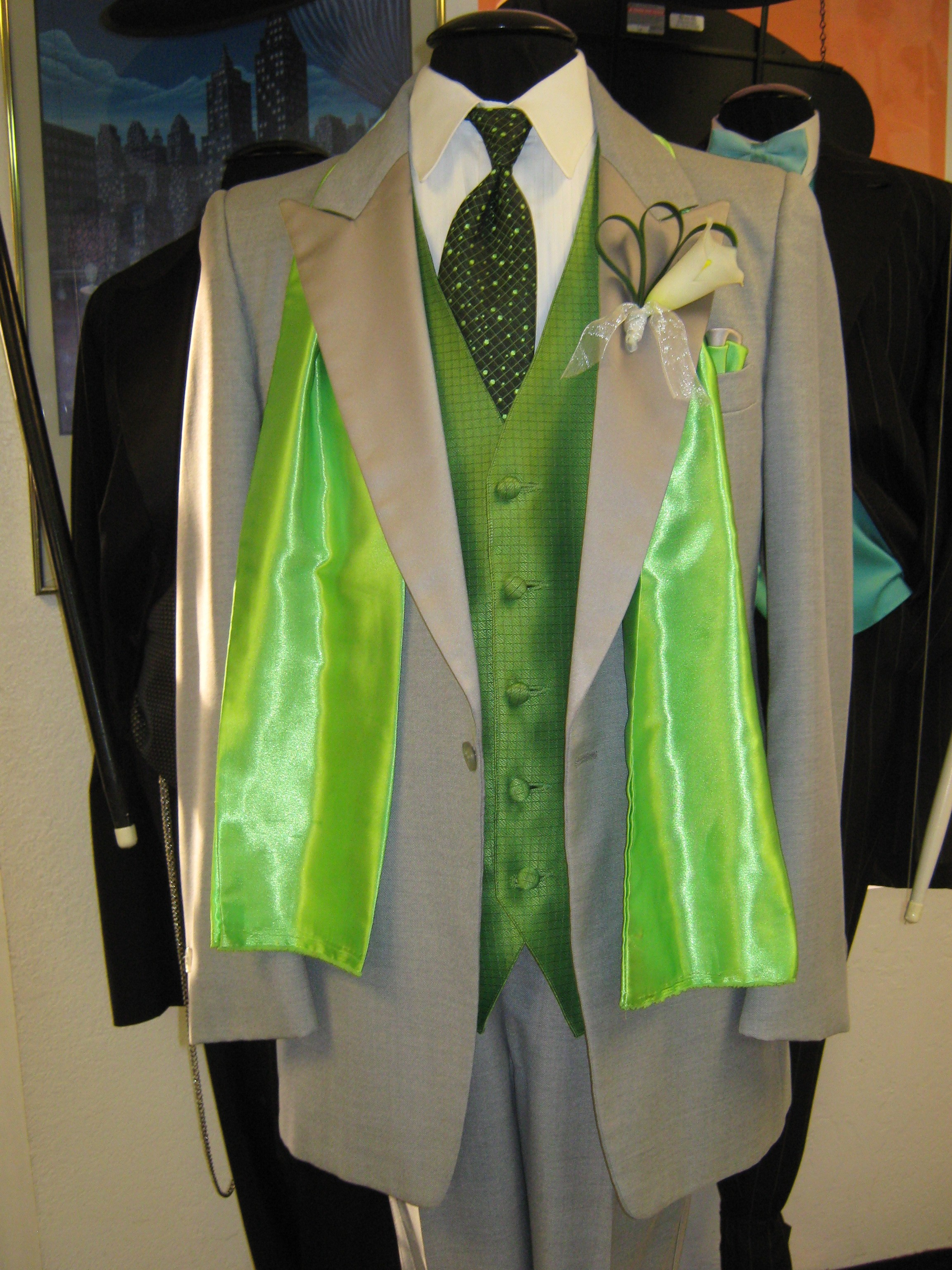 last chance for prom tuxedos rose tuxedo wedding tuxedo