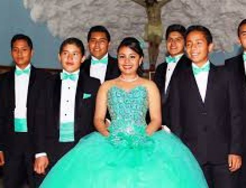 How are boys suppose to dress in Quinceaneras?